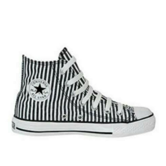 Euc Converse Striped Chuck Taylor Hi